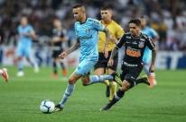 Em jogo equilibrado, Corinthians e Grêmio ficam no empate em Itaquera