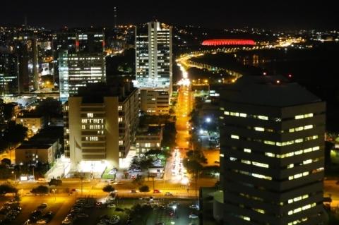 Justiça suspende PPP da iluminação pública de Porto Alegre