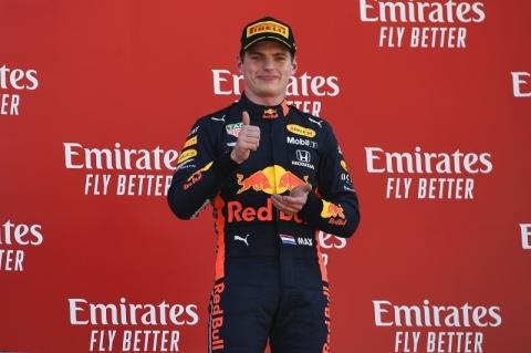Eleito melhor piloto no GP da Espanha, Verstappen comemora terceiro pódio no ano