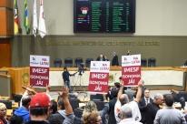 Legislativo regulamenta Imesf e exclui pautas dos sindicatos