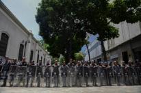 Guarda Bolivariana cerca a Assembleia Nacional
