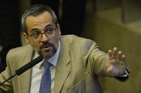 Procuradoria entra com ação de R$ 5 milhões contra Weintraub por 'balbúrdia'