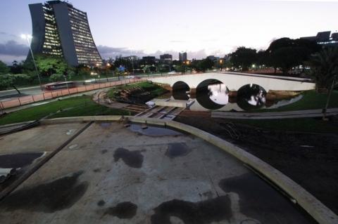 Entrega do Largo dos Açorianos será ainda em maio, garante prefeitura