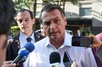 'Venham pra cima, não vão me pegar', diz Bolsonaro sobre investigação de Flávio