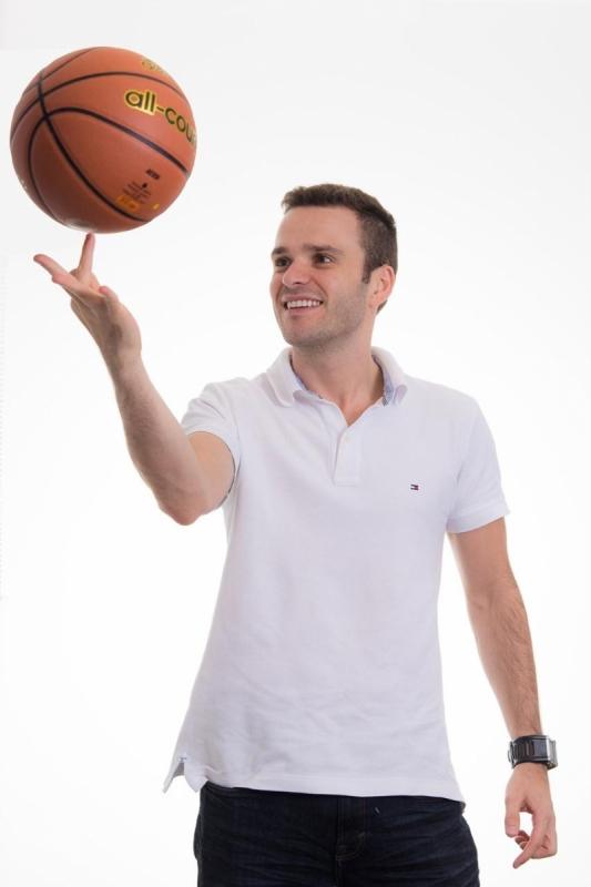 Helton Tavares, Gerente de Comunicação e Engajamento na Netshoes
