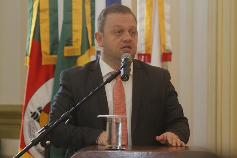 Carús teve prisão decretada por ser alvo de investigação sobre crime contra a administração pública