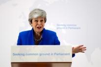 May sugere nova consulta popular sobre o Brexit