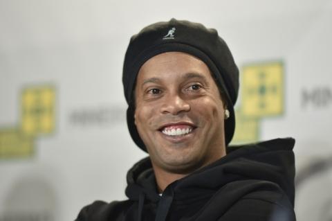 Ronaldinho faz acordo de R$ 6 milhões para encerrar processo e reaver passaporte