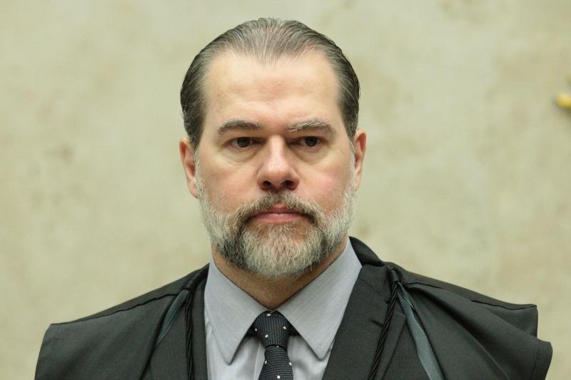 Toffoli atendeu pedido da defesa do senador Flávio Bolsonaro quando proibiu investigações do MP