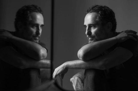 Jorge Drexler apresenta a turnê 'Silente' no Teatro do Sesi