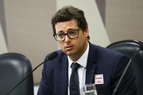 PF abre inquérito para investigar Fábio Wajngarten