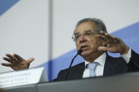 Retração não é novidade e economia está à espera de reformas, diz Guedes