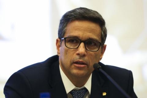 Simplificação de regras cambiais é fundamental, afirma Campos Neto