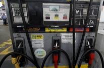 Gasolina recua em 18 Estados e no DF, diz ANP