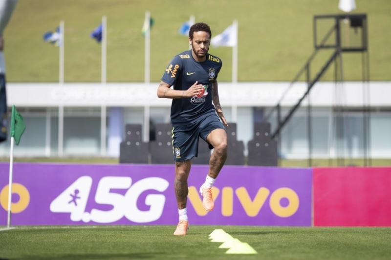 Resultado de imagem para Polícia intima Neymar para depor na sexta-feira no Rio