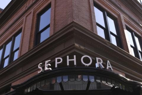 Sephora fecha lojas dos EUA para treinamento em diversidade