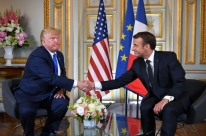 Trump e Macron homenageiam veteranos do Dia D na Normandia
