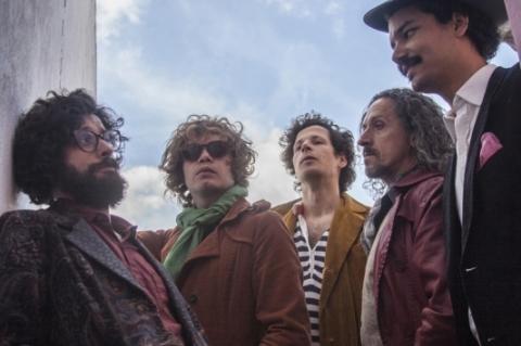 Mustache & os Apaches apresenta novo álbum na Segunda Maluca do Ocidente