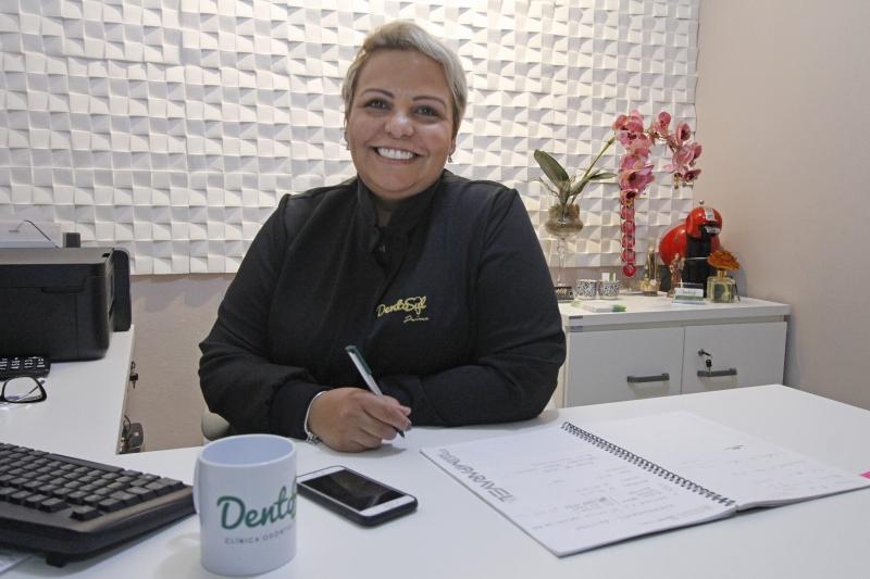 Pauta com quatro empreendedoras da Restinga.  Na foto: Roberta Capitão, organizadora do grupo