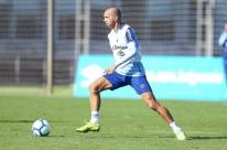 Tricolor treina sem Geromel, mas conta com Michel e Juninho Capixaba