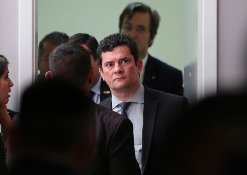Ministro da Justiça, Moro teve conversas com procurador da Lava Jato vazadas pelo site The Intercept