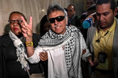 Ex-guerrilheiro das Farc assume como deputado