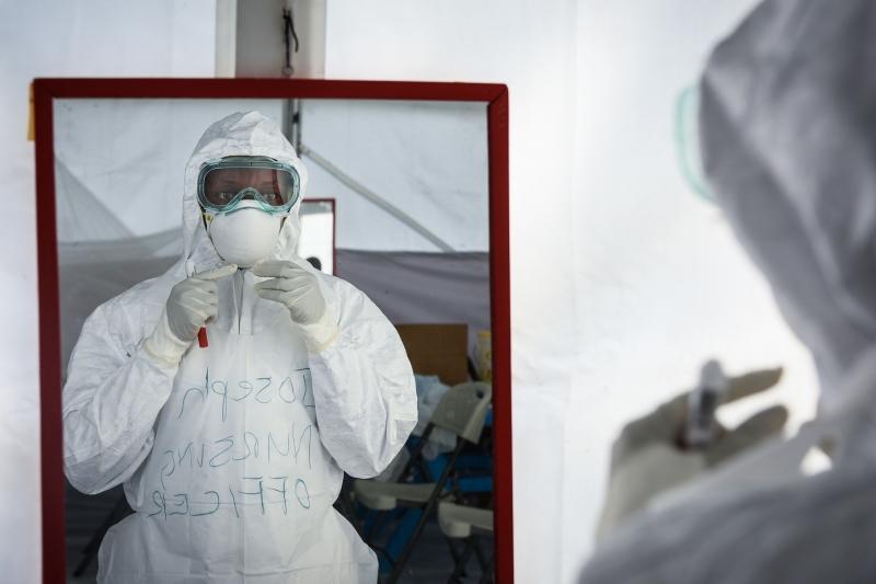 Uganda montou unidades especiais de tratamento e está treinando agentes