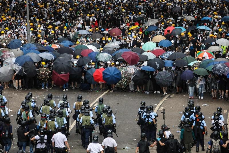 Manifestantes são contra proposta de extradição de suspeitos para serem julgados na China continental