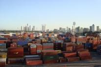 Superávit comercial da Argentina sobe e país compra 34,8% a menos do Brasil
