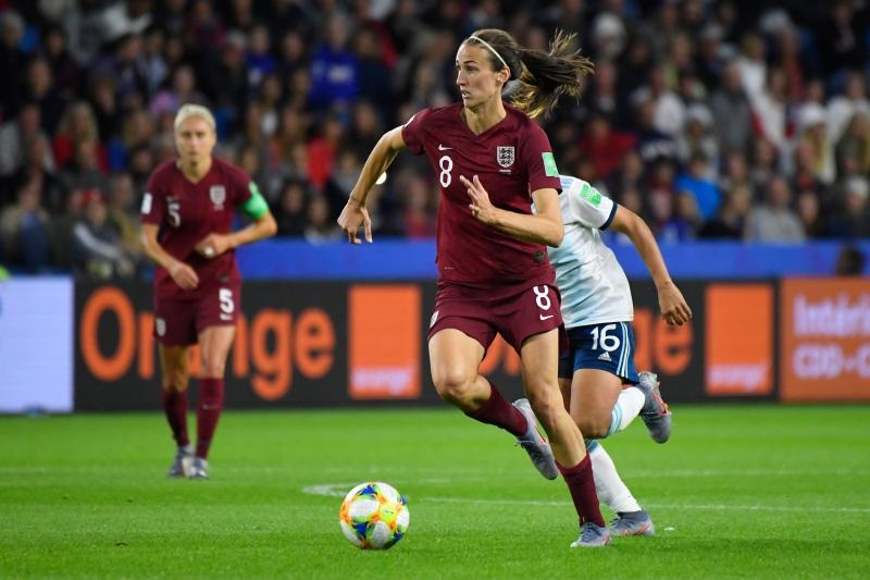 Triunfo diante das argentinas coloca as inglesas na segunda fase da competição