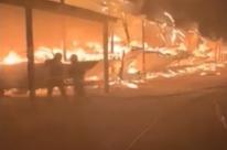 24 lanchas são destruídas por incêndio na Marina da Conga em Porto Alegre