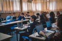 Estudantes gaúchos simulam debates de comitês da ONU