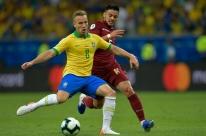 Tite volta a chamar Arthur e Alisson em convocação da Seleção Brasileira