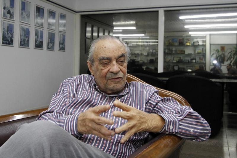 Amigo de Leonel Brizola, jornalista Carlos Bastos acompanhou de perto o Movimento da Legalidade