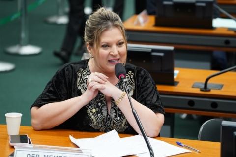 Líder do governo diz que reforma será aprovada em 2 turnos na Câmara até sexta