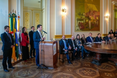 Prefeitura e Caixa assinam financiamento a ETE Ponta do Arado