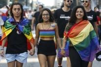 Parada do Orgulho LGBTI+ celebra criminalização da homofobia