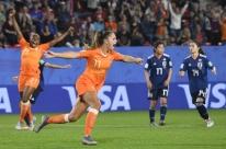 Martens brilha e Holanda derrota Japão na Copa do Mundo Feminina