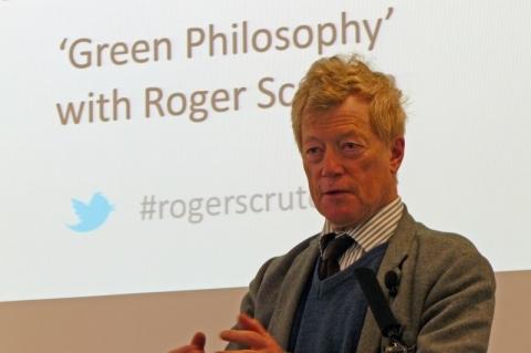 Roger Scruton realiza conferência no Fronteiras do Pensamento