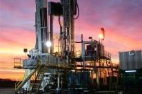 Petróleo fecha em queda com perspectivas de redução na demanda e coronavírus