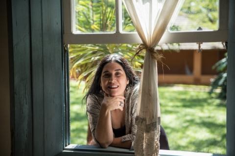 Mônica Salmaso apresenta novo disco 'Caipira' em Porto Alegre