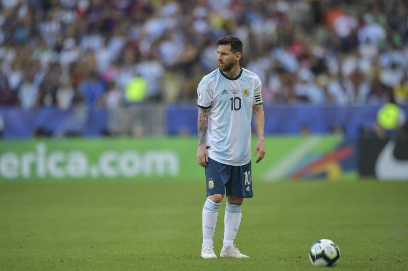 Messi voltou ao Maracanã pela primeira vez após a Copa do Mundo de 2014
