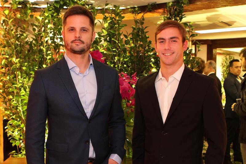 João Francisco Hack e  João Johannpeter recepcionaram os convidados