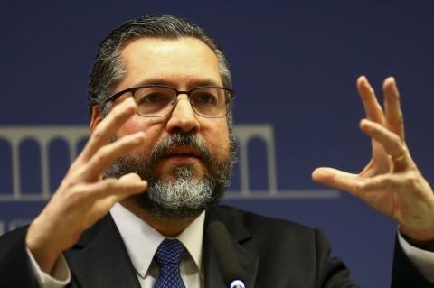 Itamaraty orienta diplomatas brasileiros a não prestar condolências a general iraniano