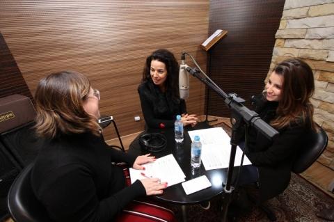 Gravação do podcast do GeraçãoE com Fabiana Estrela, proprietária da Caverna do Dino