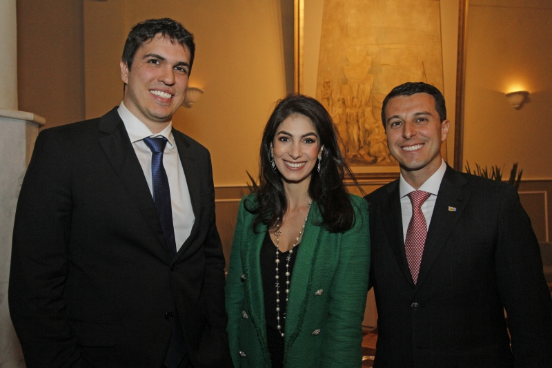 Júlio Lamb, Giovana Stefani Zaffari e Pedro De Cesaro, novo presidente do IEE