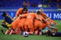 Holanda derrota Suécia na prorrogação e vai decidir Mundial Feminino com os EUA