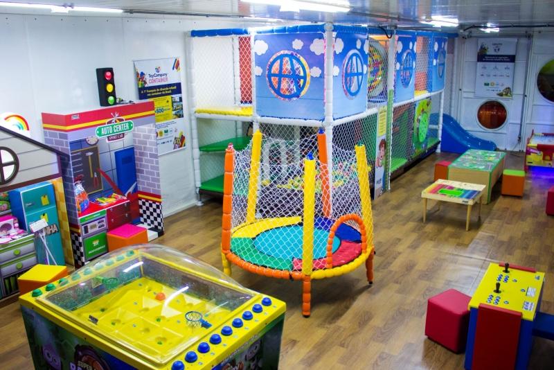 A estrutura tem 60 metros quadrados e oferece atividades para crianças