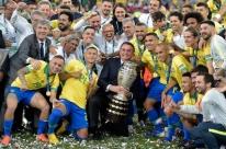 Bolsonaro assiste à final da Copa América com Moro e Guedes