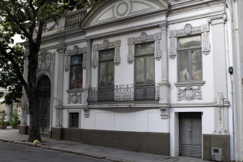Gestão terceirizada de equipamentos como a Pinacoteca Ruben Berta opõe prefeitura e classe artística